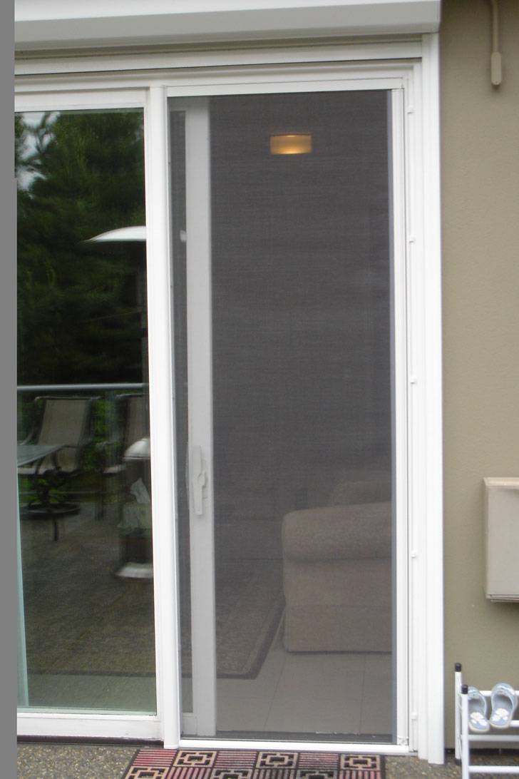 Sliding screen door sliding screen door with pet door for Retractable sliding door